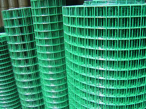Medium-weight welded mesh